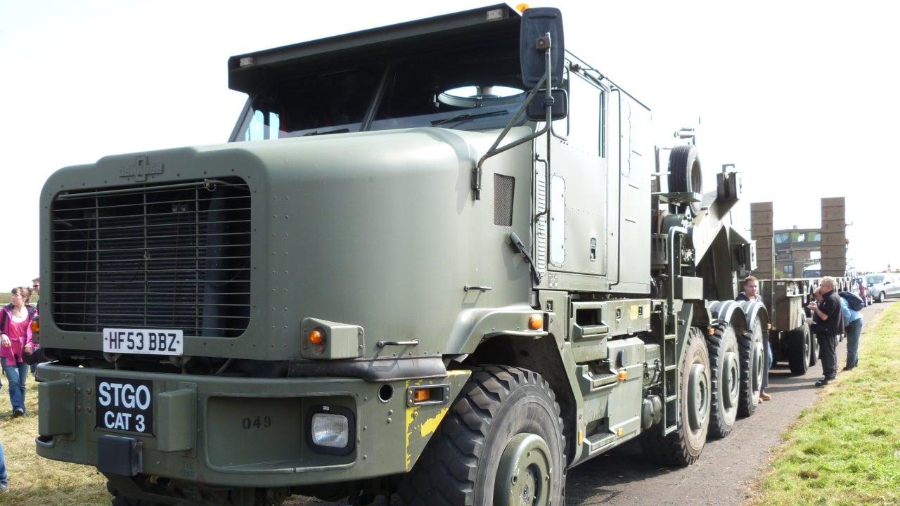 Image 1-Oshkosh 1070F Heavy Equipment and Tank Transporter Systems