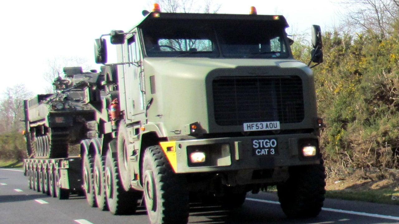 Image 3-Oshkosh 1070F Heavy Equipment and Tank Transporter Systems