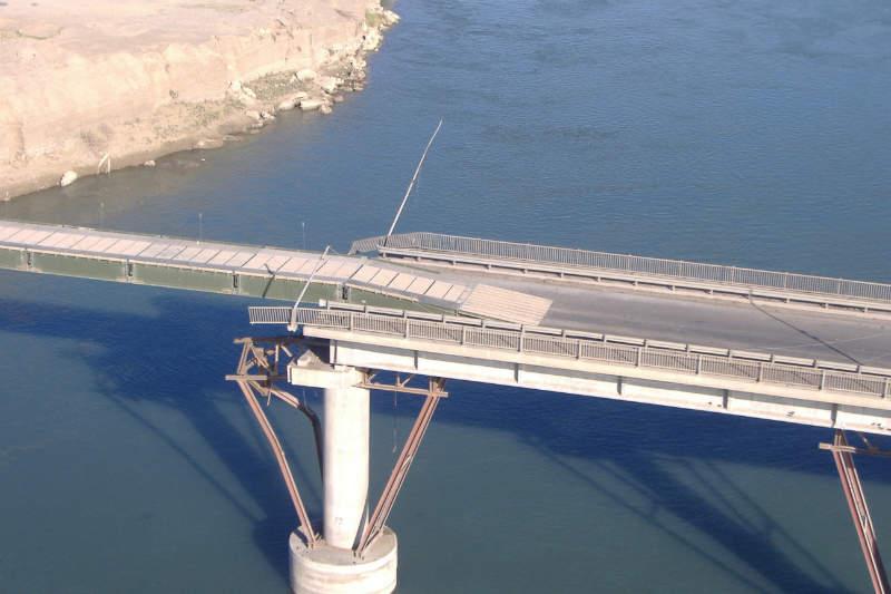 WFEL's DSB deployed over destroyed bridge