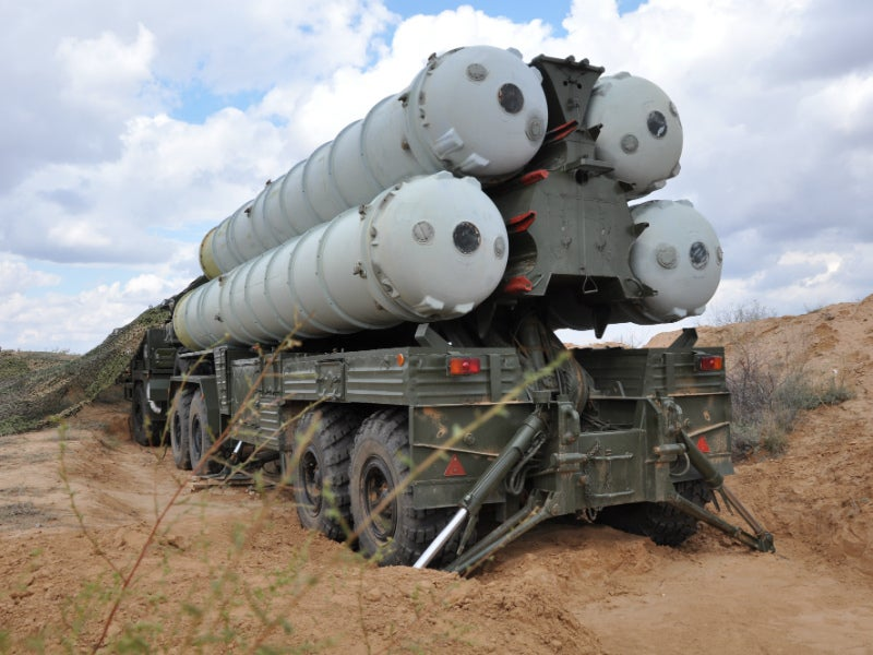 The transporter-erector-launcher can carry up to four launch tubes. Credit: Rosoboronexport.