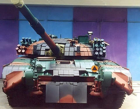 An early version of the PT-91 tank.