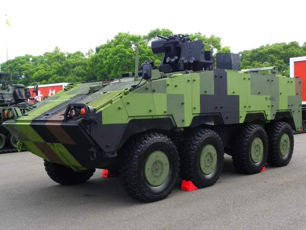 The CM-32 Yunpao (Cloud Leopard) is an 8x8 armoured personnel carrier operated by the Republic of China (Taiwan) Army. Image courtesy of 玄史生.