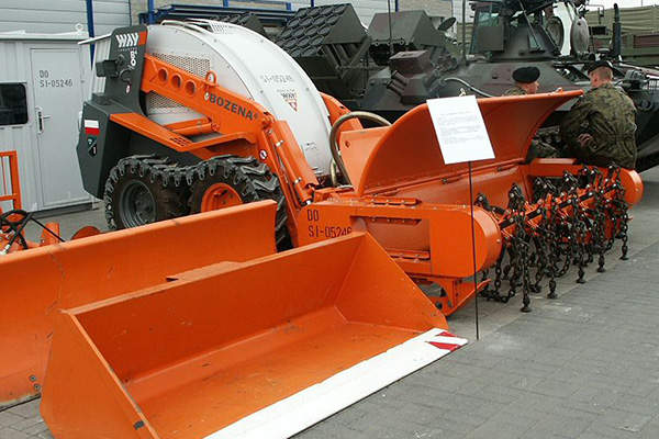 The Bozena 4 light mine clearance system is built by Way Industry. Image courtesy of Pibwl.