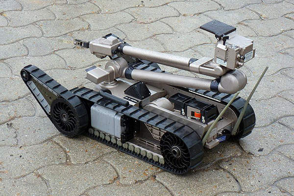 The 510 PackBot tactical mobile robot is manufactured by iRobot. Image courtesy of Outisnn.