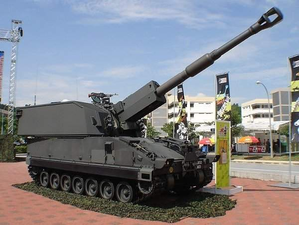 Primus is the first self-propelled heavy artillery gun of the Singapore Armed Forces. Image courtesy of Dave1185.