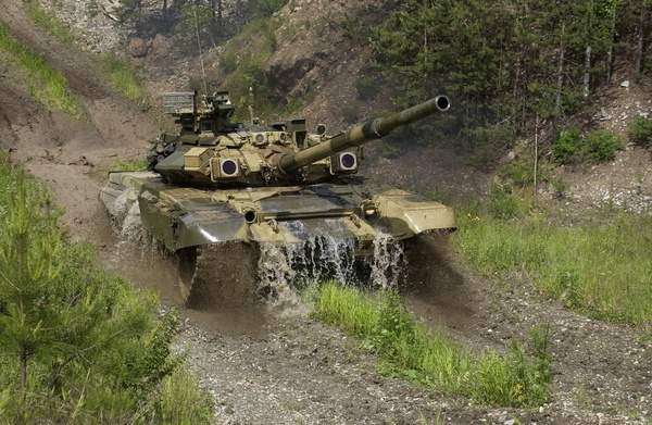 The T-90S armament includes one 125mm 2A46M smoothbore gun