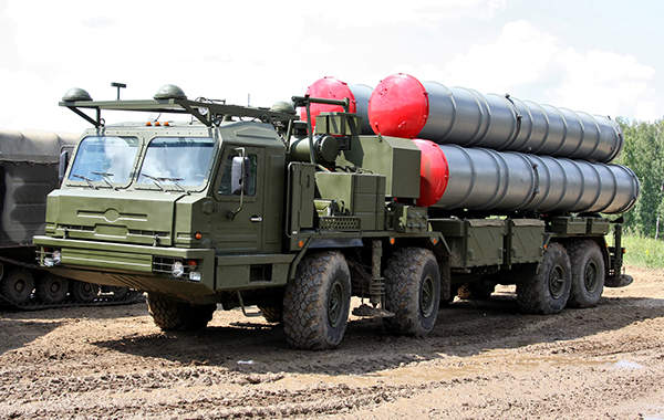 The S-400 Triumph defence system entered service with the Russian Army in April 2007.
