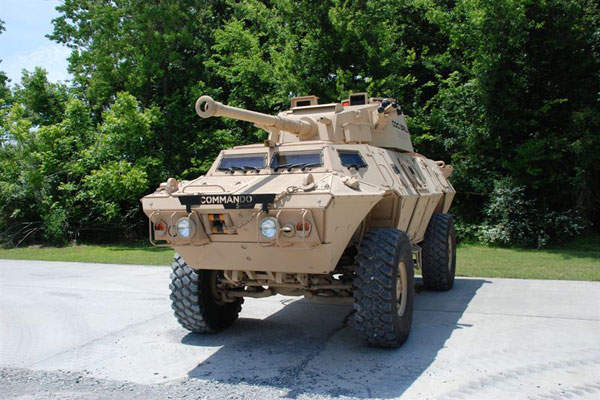 The COMMANDO Select 90mm Direct Fire Armoured Vehicle is capable of carrying a driver, commander, gunner and loader. Image courtesy of Textron Systems.