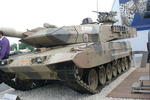The Leopard 2A7+ main battle tank was designed and developed by Krauss-Maffei Wegmann. Image courtesy of AMB Brescia.