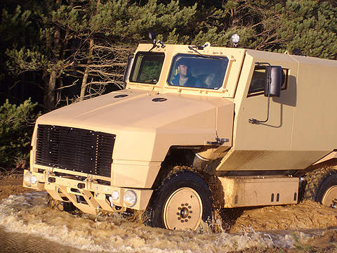 4x4 SPV400 vehicle