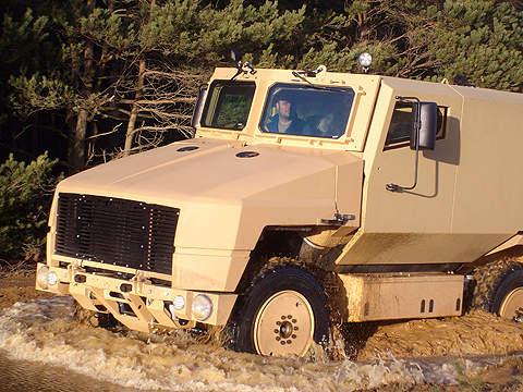 4x4 SPV400 vehicle
