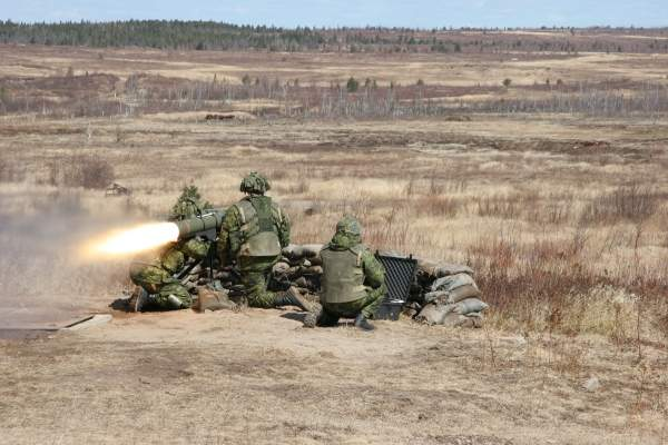 Soldiers on the Infantry Section Commander Course fire the ERYX short range heavy anti-armour weapon at a moving silhouette of a tank at CFB Gagetown. Image courtesy of the National Defence and the Canadian Forces.