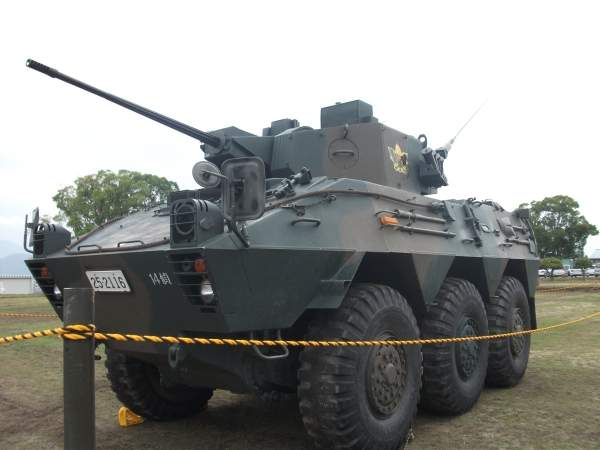 The Type 87 reconnaissance and patrol vehicle can carry five crew members including the driver, assistant driver / radio operator, commander, gunner and observer. Image courtesy of Syun2.