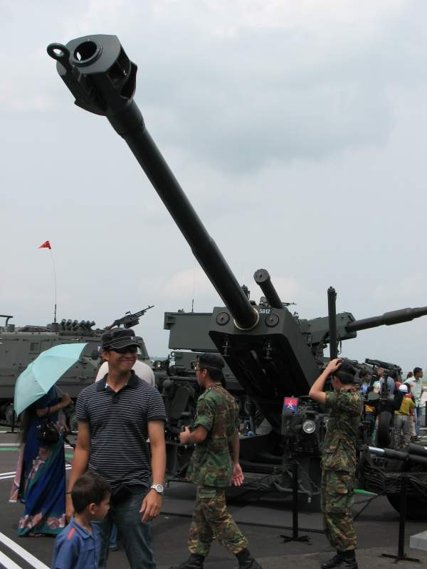 A SLWH Pegasus showcased at the Singapore Airshow 2008. Image courtesy of Jonathan G. Seow H. C.