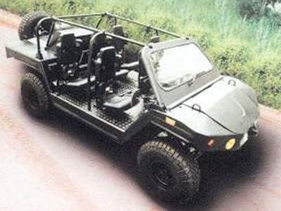 The Spider light strike vehicle is powered by a 2.8l Peugeot diesel power unit complying to Euro III emissions standards.