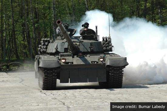 PT-91 is equipped with 125mm guns and smoke grenade launchers.