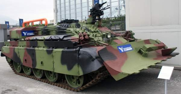 The Serbian Armed Forces VIU-55 Munja combat engineering vehicle on display at the 'Partner 2011' military fair. Image courtesy of Kos93.