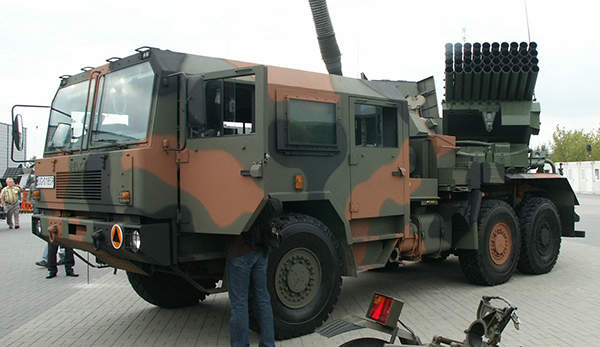 A  WR-40 Langusta 122mm multiple launch rocket system displayed at MSPO 2007 exhibition, Image courtesy of Pibwl.