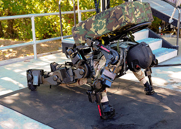 A soldier performing push-ups during the demonstration in Utah. Credit: Raytheon Company.