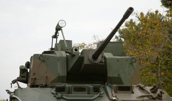 A close view of the Oerlikon Contraves 25mm KBA cannon fitted on the Type 87 reconnaissance and patrol vehicle. Image courtesy of Max Smith.