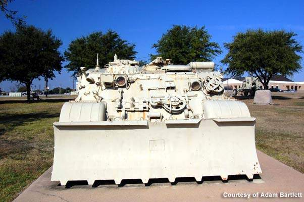The post features 500 tanks, including the Bradley fighting vehicles, as well as 1,600 other tracked vehicles.