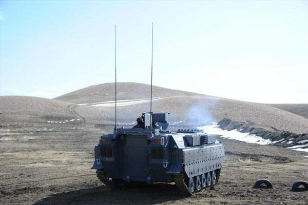 The Lazika Infantry Fighting Vehicle demonstrating its firing capabilities. Image courtesy of WikIunker.