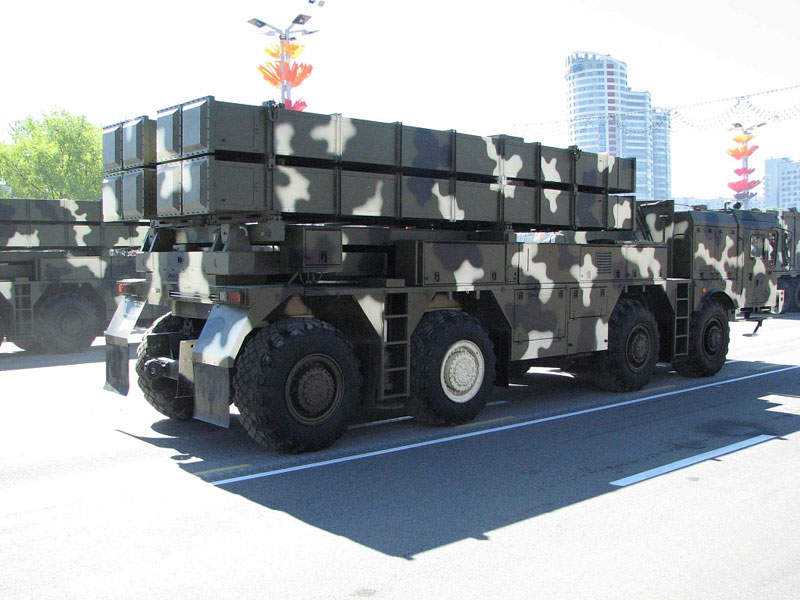 A side view of the Polonez multiple launch rocket system (MLRS). Image courtesy of State Military Industrial Committee of the Republic of Belarus.