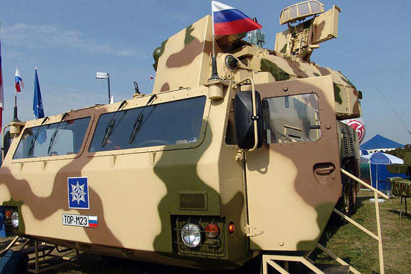 A close view of the Tor-M2E missile system on display at MAKS 2007 Airshow. Image courtesy of Vitaly V. Kuzmin.