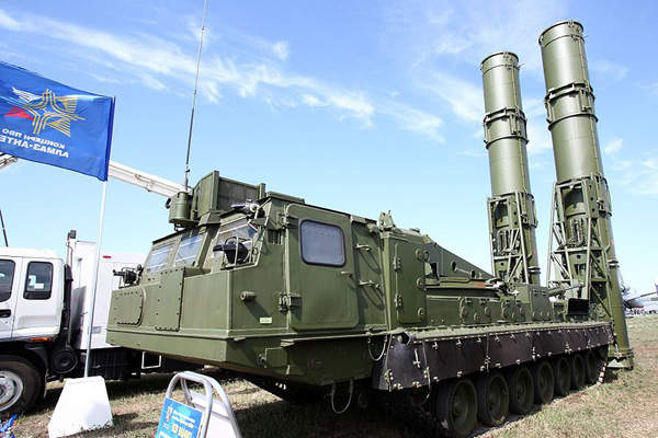 The 9A84ME loader / launcher unit is installed with two 9M82M/ME missiles.