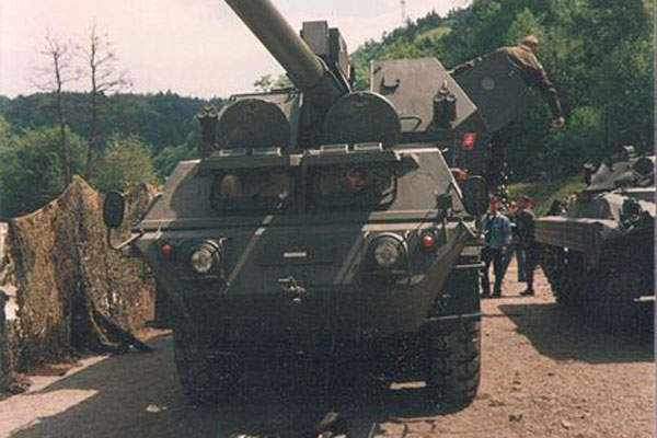 The advanced ZUZANA 2 artillery system is a new version of the 155mm / 45 calibre ZUZANA self propelled howitzer in picture. Image courtesy of Pelex.