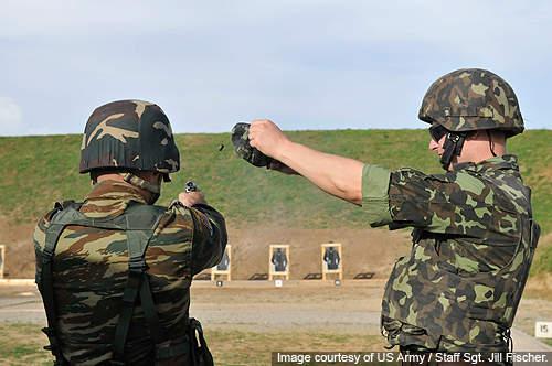 Ukrainian KFOR soldiers undergoing training.