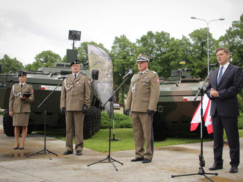 The first batch of Rak 120mm self-propelled mortar vehicles was delivered to the polish Army in June 2017. Image courtesy of Huta Stalowa Wola S.A.
