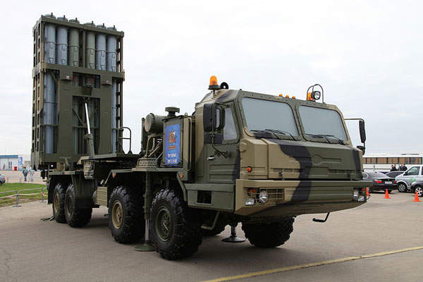 Deliveries of the new S-350E Vityaz missile systems to the Russian Army are anticipated in 2016. Image courtesy of Vitaly V. Kuzmin.
