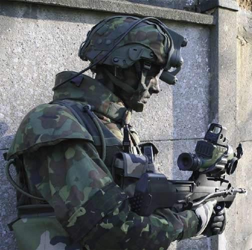 FELIN soldier using advanced equipment