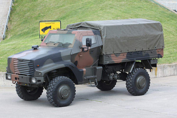The KAYA Cargo Carrier variant is suitable for carrying cargo on all terrains in threat environments.