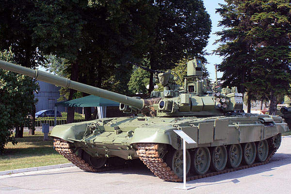 The turret is equipped with 12 smoke grenade launchers. Image courtesy of Srđan Popović.