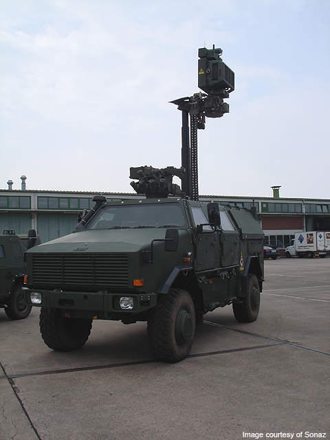 The Dingo 2 ground surveillance vehicle (BÜR) features a radar system with the same safety and mobility features as that of its parent.