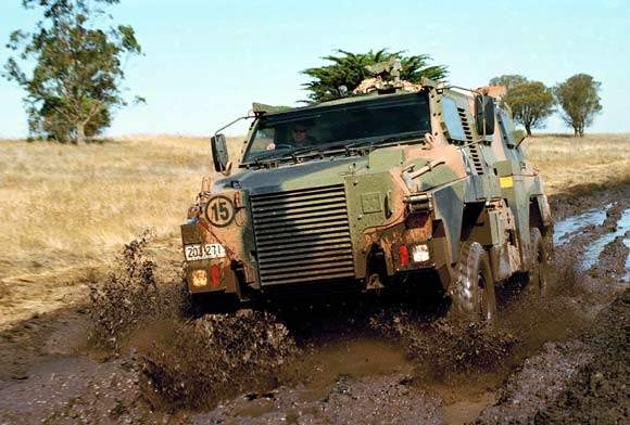 With a road cruise speed of 100km/h, the Bushmaster transports up to ten troops, quickly and comfortably.