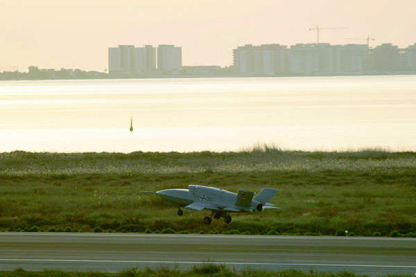 The Barracuda air vehicle is of entirely carbon-fibre construction with a maximum take off weight of 3,250kg.