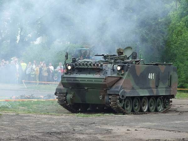 M113 vehicles can accommodate two crew members and 11 passengers. Image courtesy of Vytauto.