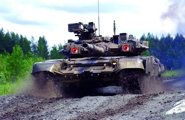 The T-90S has the 1A4GT integrated fire control system (IFCS) which is automatic but with manual override for the commander