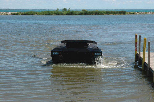 The fully amphibious Colonel GPV in water