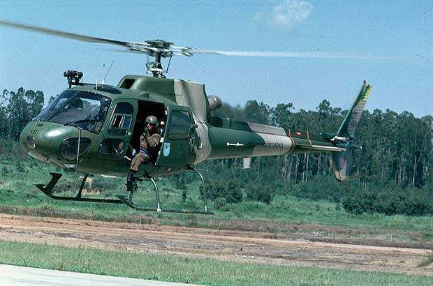 Ecureuil/Fennec helicopter in mid flight with the Brazilian Army