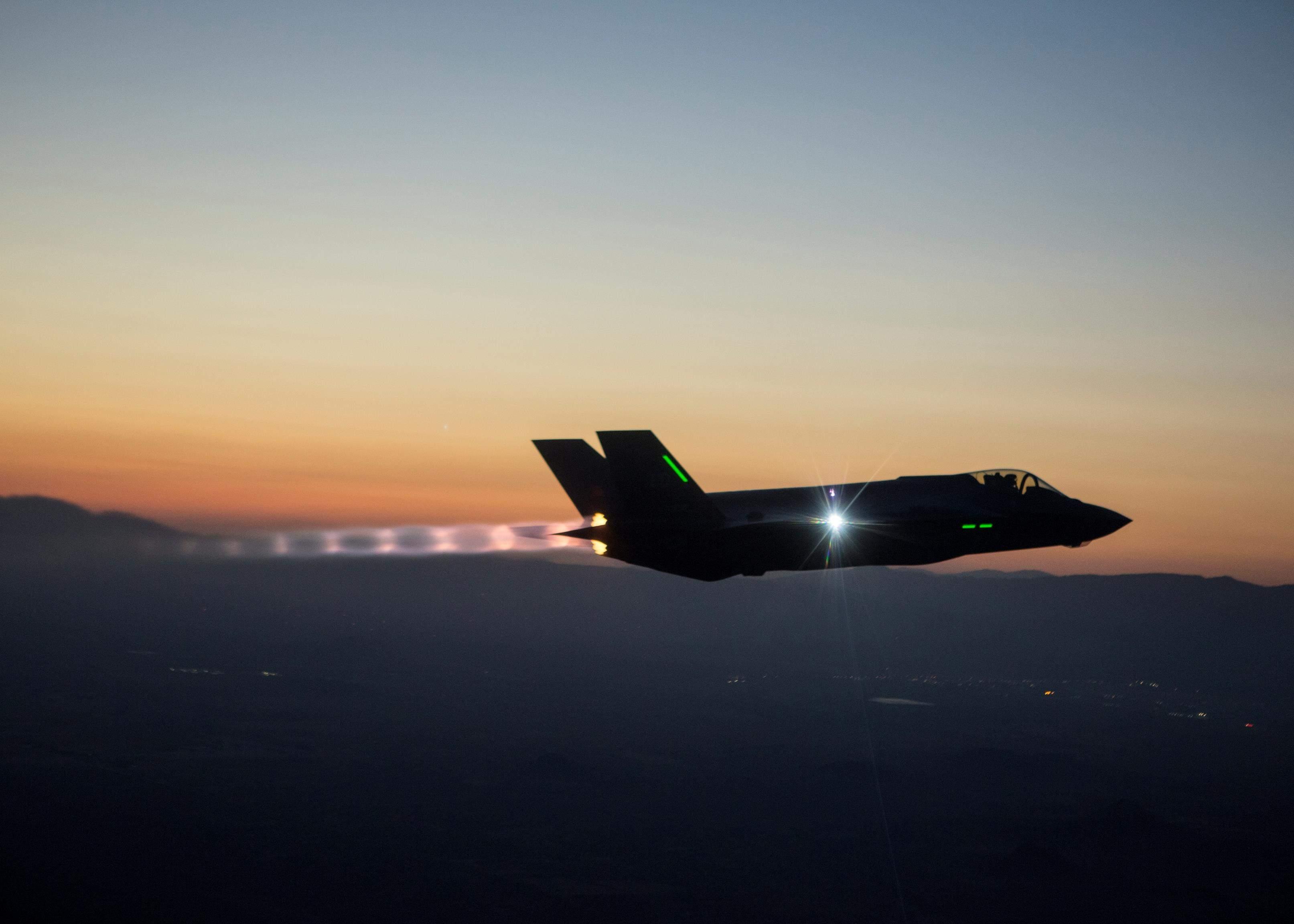F-35 Lighting