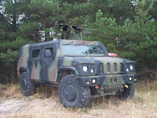 The Panther fitted with BAE Systems self-defence weapon station (SDW). SDW combines BAE Systems target acquisition weapon sight (STAWS) with the AEI Enforcer remote controlled weapon station (RCWS).