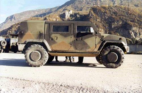 Side view of the Panther Command and Liaison Vehicle (CLV)