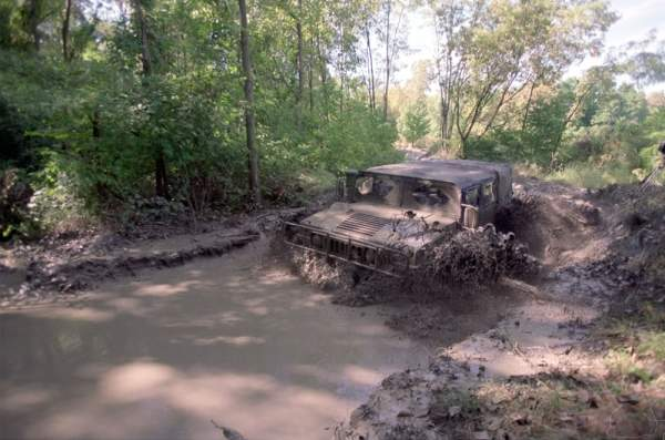 Humvee offroad