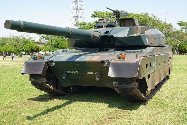 The Type 10 main battle tanks are in service with the Japan Ground Self Defence Force. Image courtesy of Los688.