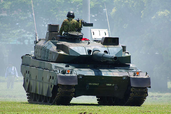 The tank accommodates a crew of three including commander, gunner and driver. Image courtesy of Los688.
