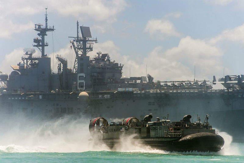 US army troops landing craft air cushion marines USN